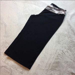 Price⬇️ Under Armour Capri/Crop Legging/Pants, Med